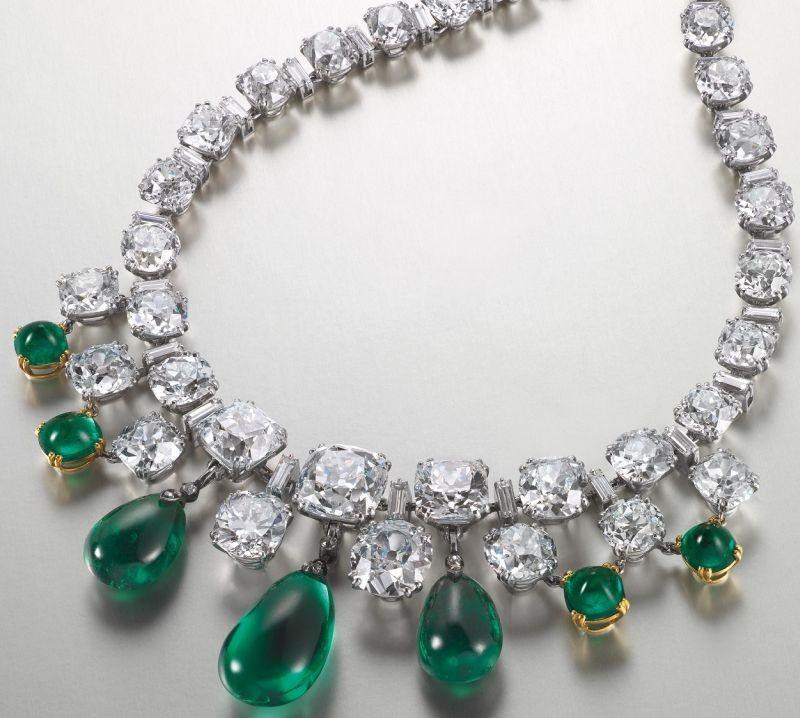 WTFSG_christies-hk-magnificent-jewels-spring-sale-sets-world-record_2