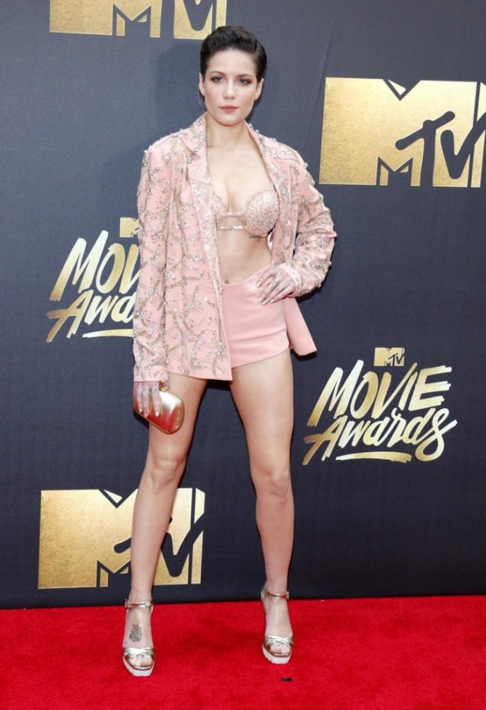 WTFSG_2016-MTV-Movie-Awards_Halsey-Idan-Cohen-Pink-Jacket-Shorts
