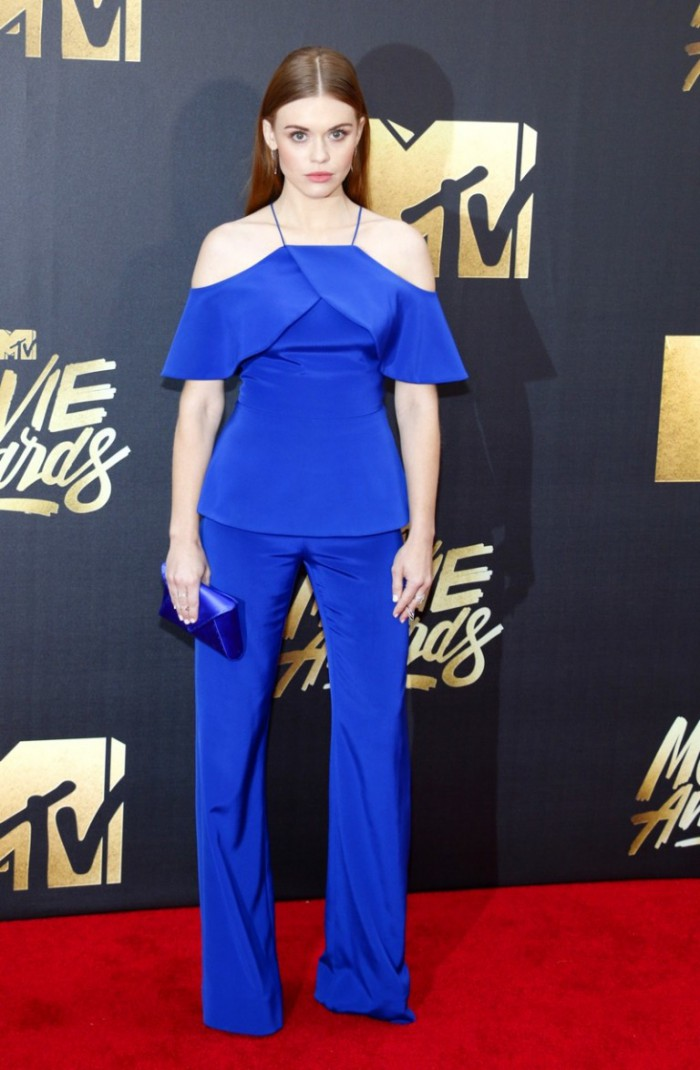 WTFSG_2016-MTV-Movie-Awards_Holland-Roden-Blue-Christian-Siriano-Top-Pants