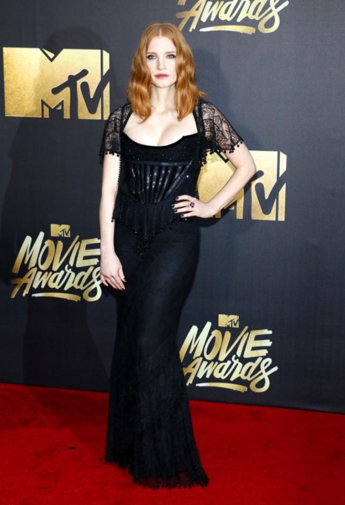 WTFSG_2016-MTV-Movie-Awards_Jessica-Chastain-Black-Givenchy-Dress