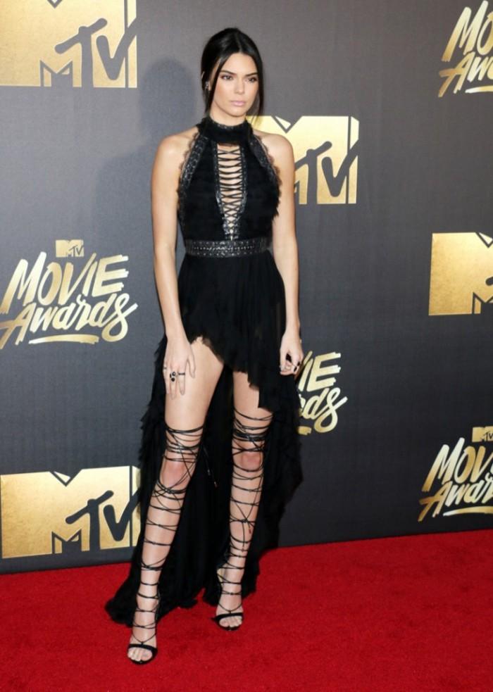 WTFSG_2016-MTV-Movie-Awards_Kendall-Jenner-Kristian-Aadnevik-Black-Dress