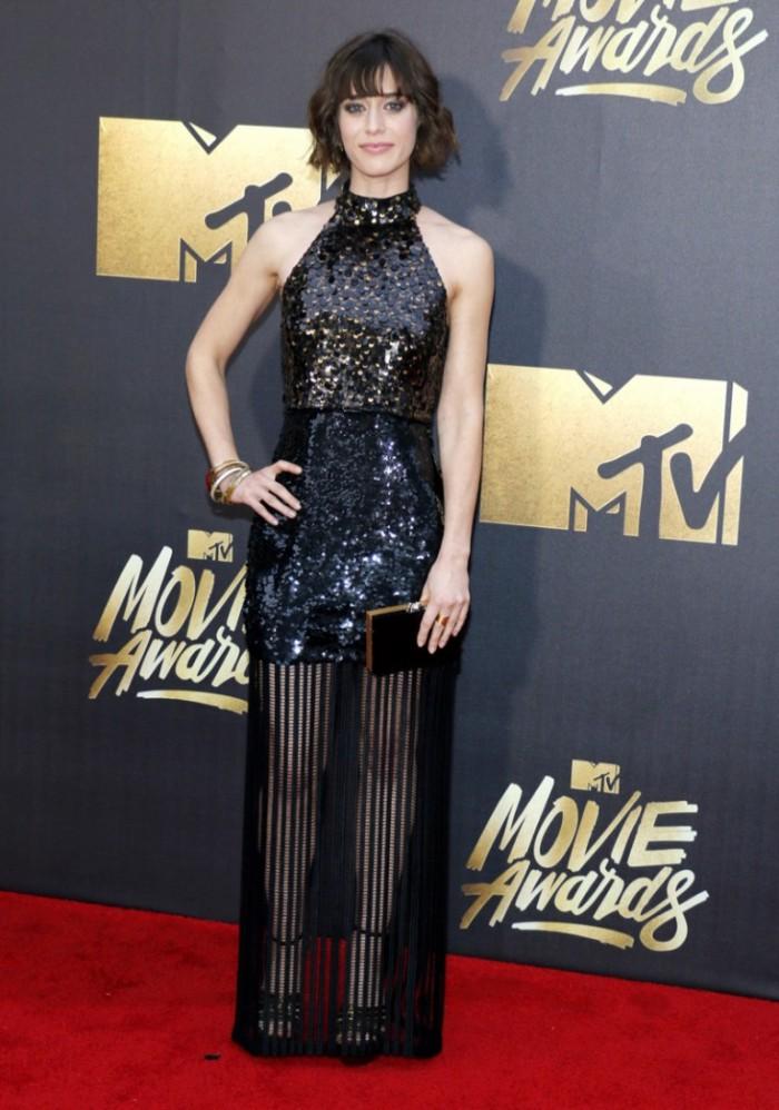 WTFSG_2016-MTV-Movie-Awards_Lizzy-Caplan-Black-Sequin-Sally-LaPointe
