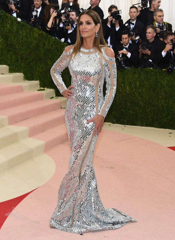 WTFSG_Cindy-Crawford-2016-Met-Gala-Dress-Balmain