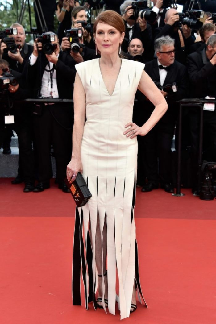 WTFSG_Julianne-Moore-2016-Cannes-Film-Festival-Louis-Vuitton-Dress_2