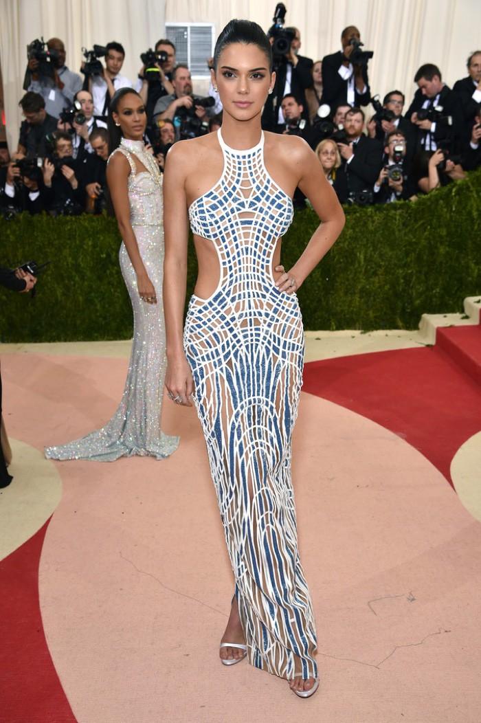 WTFSG_Kendall-Jenner-2016-Met-Gala-Versace-Dress