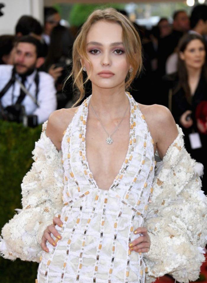 WTFSG_Lily-Rose-Depp-Chanel-Dress-2016-Met-Gala_2