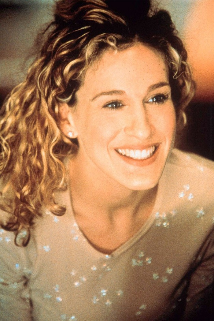 WTFSG_Sarah-Jessica-Parker-Curly-Blonde-Hair