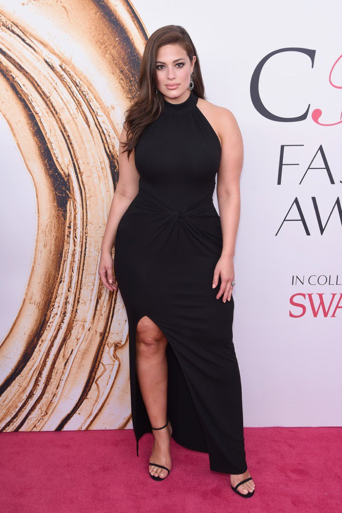 WTFSG_CFDA-Awards-2016-Dresses-Gowns_Ashley-Graham