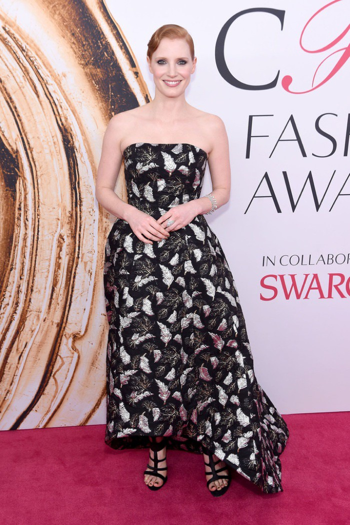 WTFSG_CFDA-Awards-2016-Dresses-Gowns_Jessica-Chastain