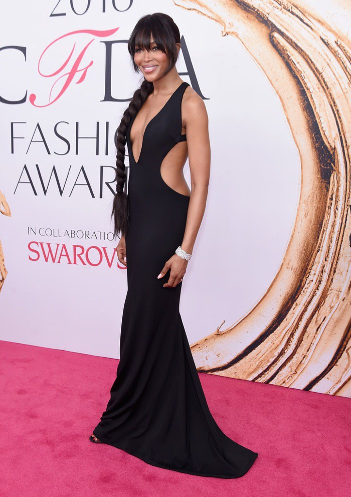 WTFSG_CFDA-Awards-2016-Dresses-Gowns_Naomi-Campbell