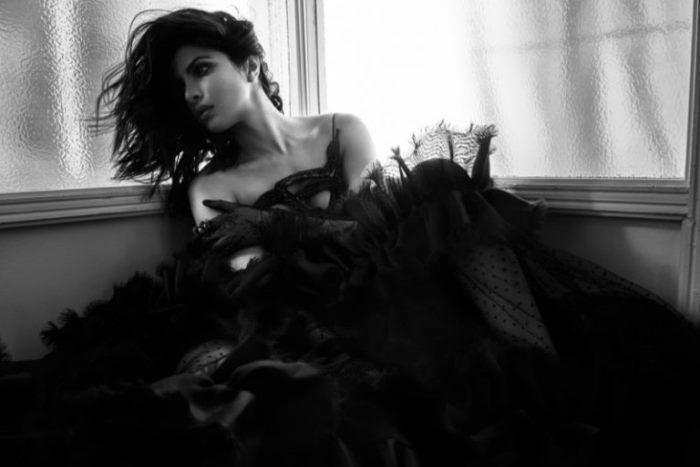 Priyanka-Chopra-Flaunt-Magazine-2016-Cover-Photoshoot_4