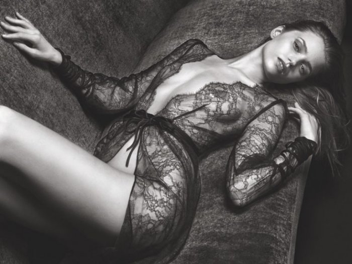 WTFSG_Agent-Provocateur-Fall-Winter-2016-Campaign_3