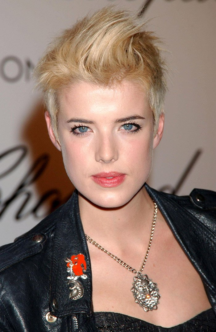 WTFSG_Agyness-Deyn-Short-Hair-Blonde