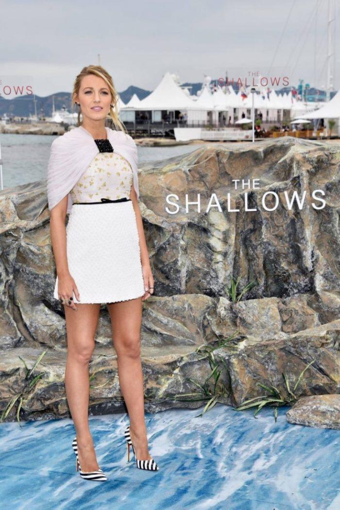 WTFSG_Blake-Lively-Shallows-Cannes-2016-Photocall-Giambattista-Valli-Dress_1