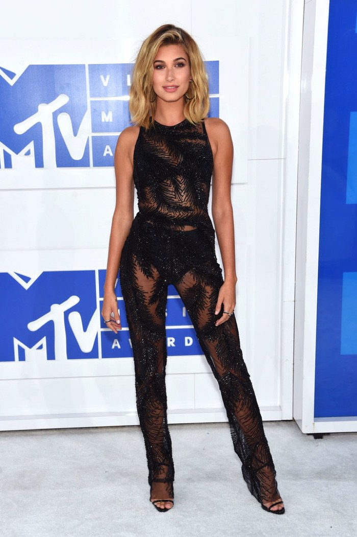 hailey-baldwin-georges-chakra-jumpsuit-2016-mtv-vmas