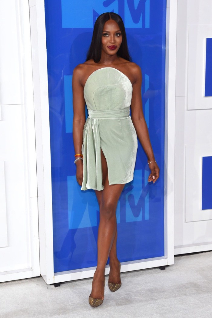 naomi-campbell-brandon-maxwell-dress-2016-mtv-vmas