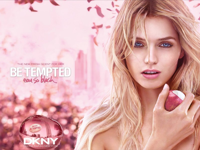 wtfsg_abbey-lee-dkny-be-tempted-eau-so-blush-2016