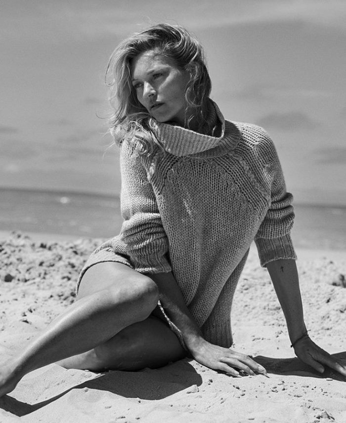 kate-moss-naked-cashmere-sweaters_4