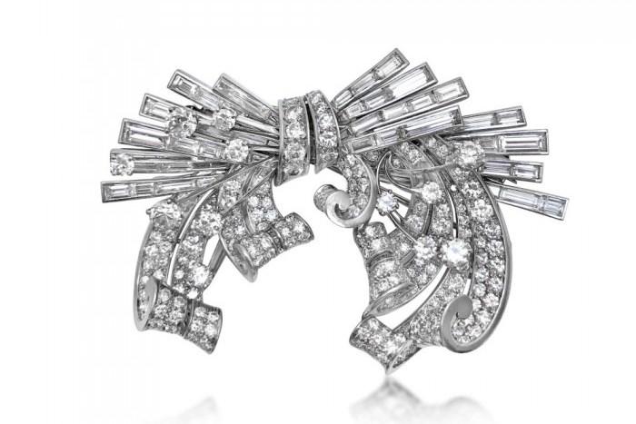 diamond-double-clip-brooch_trabert-hoeffer-mauboussin