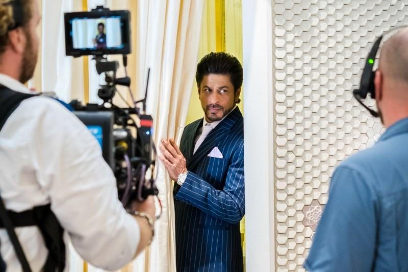 Shah Rukh Khan's Personal Invitation To Dubai #BeMyGuest ...