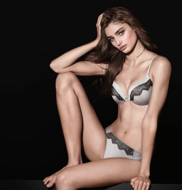 b44c39e40157c Taylor Hill wears Victoria s Secret  So Obsessed  push-up bra with lace